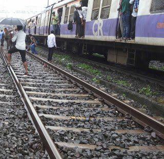 Mumbai Local Mega Block passengers facing huge truble