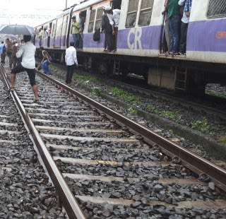 Mumbai Mega Block on Sunday of Central Line, Western Line , Harbour Line andTrans Harbour Line
